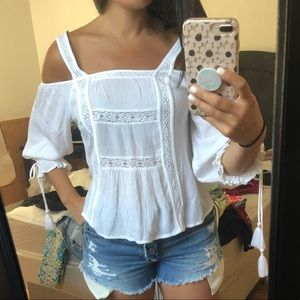 American Eagle Outfitters Tops - AE cold shoulder white crochet top